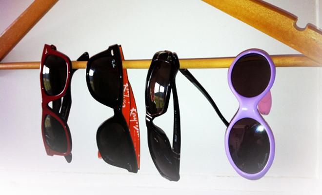 petite astuce pour ranger vos paires de lunettes lunettes de soleil. Black Bedroom Furniture Sets. Home Design Ideas