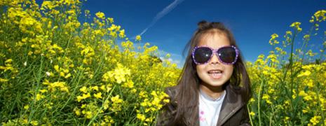 Les lunettes de soleil pour enfants à la mode