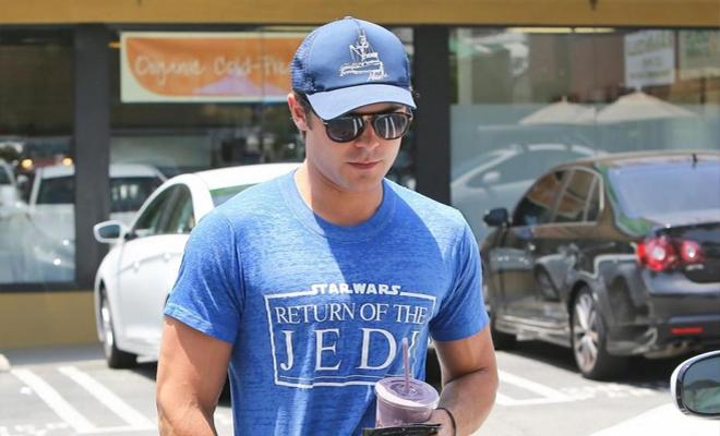 Zac Efron opte pour des lunettes de soleil Persol