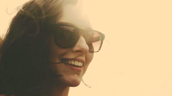 Les lunettes de soleil tens Instagram débarque pour l'été
