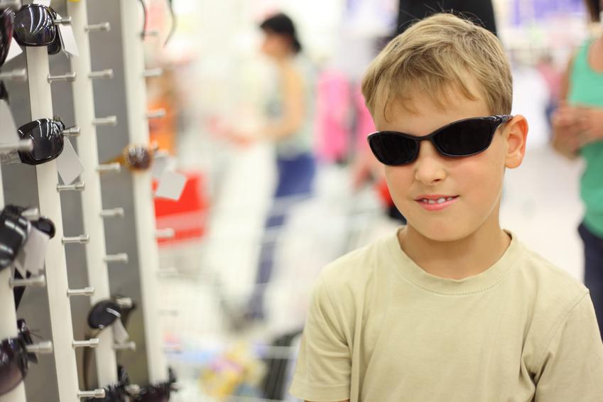 Les raisons pour lesquelles les prix des lunettes de soleil différent tellement